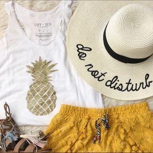 🍍Gold Glitter Pineapple Tank Top